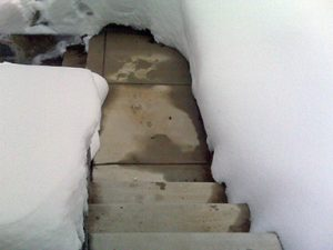 Heated cement steps