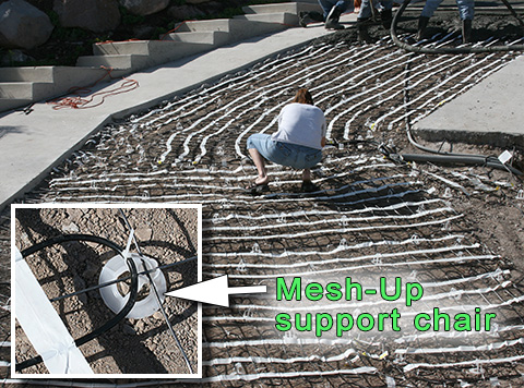 Heated driveway installation with Mesh-Up supports