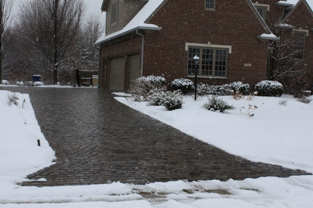 Heated driveway with pavers